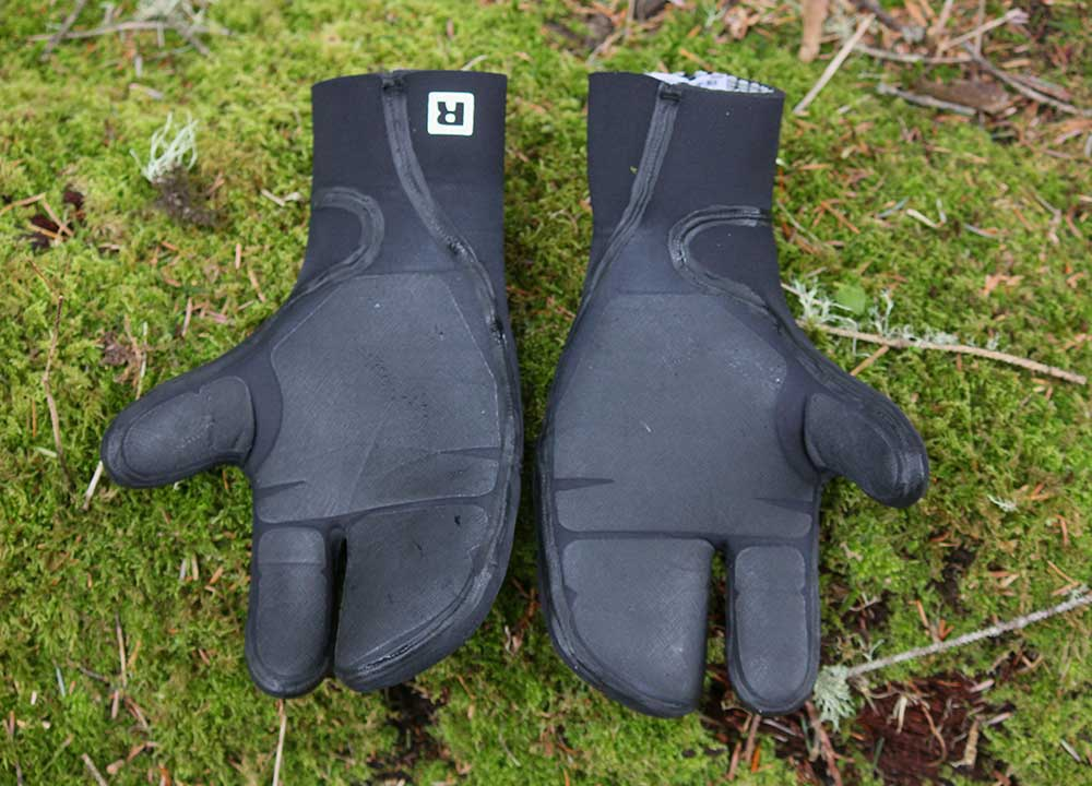 patagonia-r5-wetsuit-lobster-mit-gloves-review-1