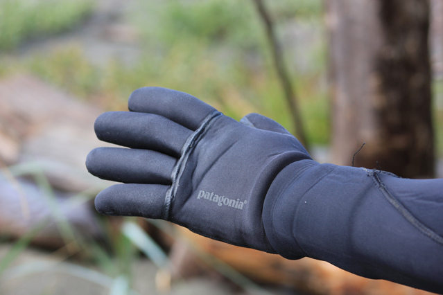 patagonia-r3-wetsuit-gloves-2