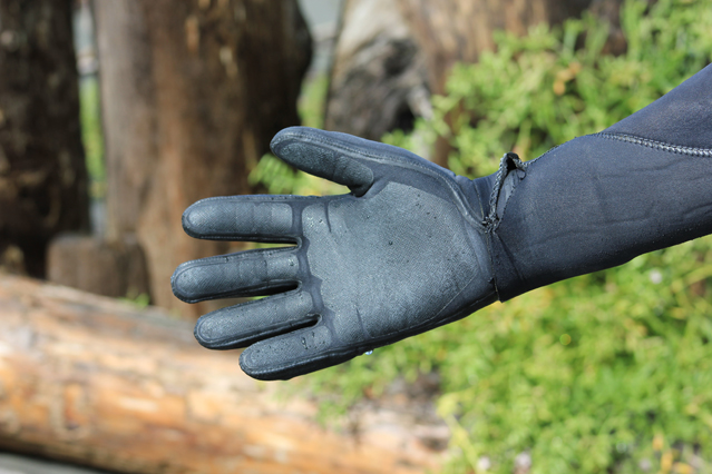 patagonia-r3-wetsuit-gloves-3